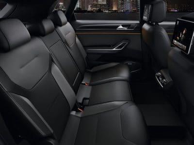 interieur cuire noir d'un taxi
